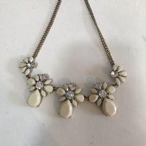 Cream & Rhinestone Gold Necklace! 💞